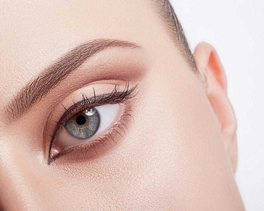 Microblading Alopecia Sopracciglia Tatuaggio